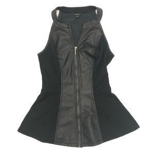 ❓ GUESS • Black Zip Up Top ❓